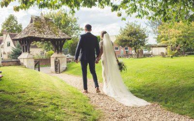 Real Weddings – Kelly & Lewis